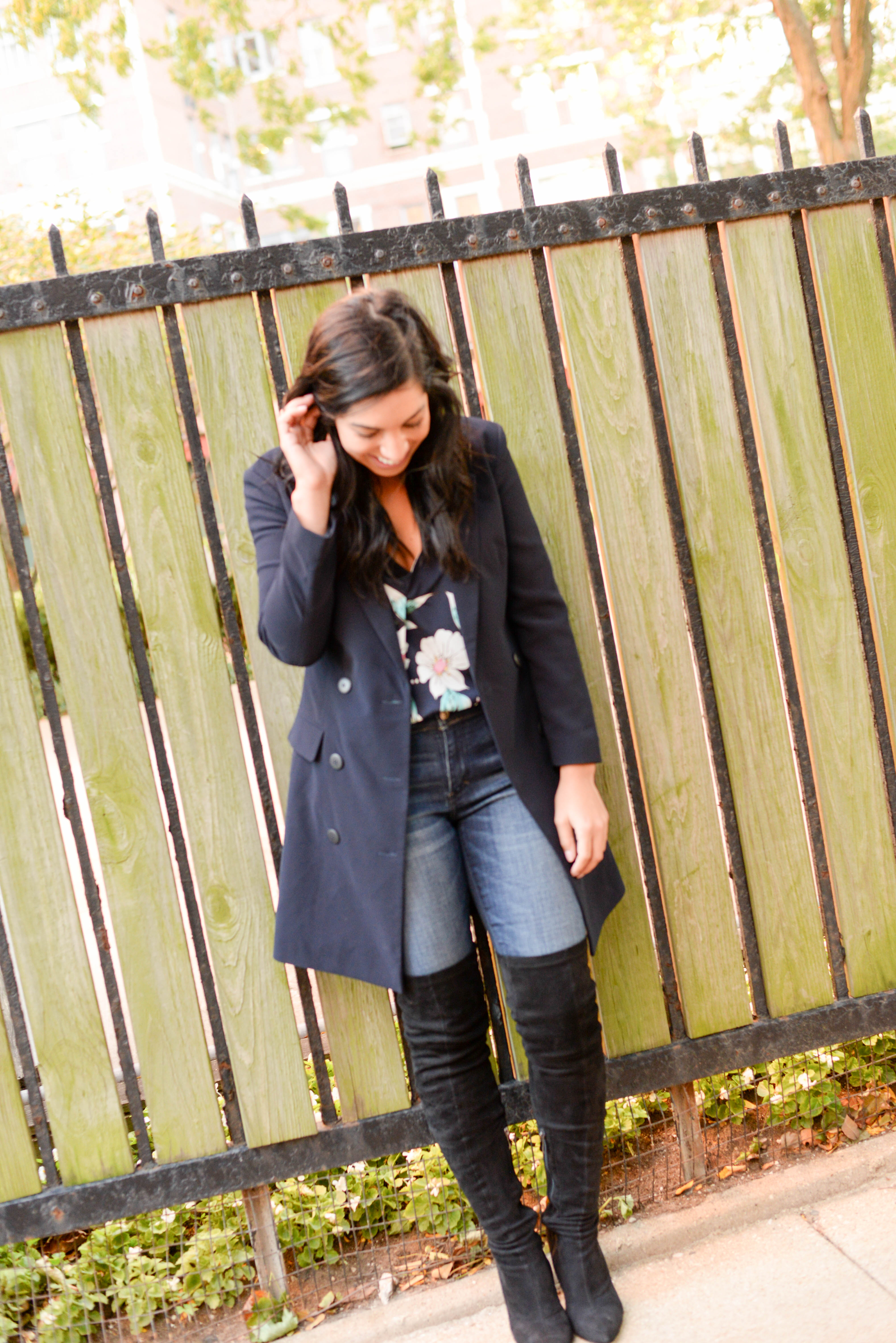 0dc28b0d805 Maria rocked her black over the knee boots from Akira (under  75) and  paired with her navy ensemble she set out to show everyone that you CAN  wear navy and ...